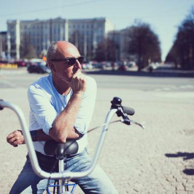 Koe ja tunne Helsinki pyörän selästä HELtoursin kanssa