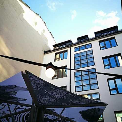 Tervetuloa nauttimaan Hotel Fabianin terassille kesästä